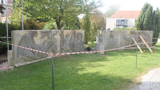 Pomník osvoboditelů na náměstí Svobody v Bučovicích.