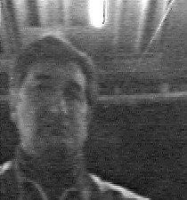Policistům ve vyšetřování případu může pomoci kdokoliv, kdo by identifikoval muže na fotografii.