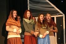 Rousínovští ochotníci se rozhodli v divadelním představení zpracovat příběh o začátku našho letopočtu.