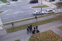 Muž ve Vyškově bezdůvodně zaútočil na dvě děti.