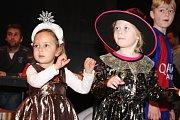Jako v pohádce si připadaly děti na sobotním karnevalu v Ivanovicích na Hané. Mrazík je ovšem svou kouzelnou holí nezmrazil, naopak zažily odpoledne plné pohybu.