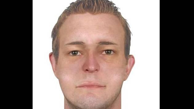 Hledaný má spíš kulatý obličej, krátce střižené rovné vlasy barvy špinavý blond, hnědé oči a byl hladce oholený.