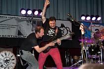 Drnovická kapela Punkevní jesvyně chtěla hrát punk rock v podstatě od začátku. Jde totiž podle nich o příležitost, jak říct lidem pravdu.