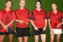 Druholigové družstvo stolních tenistek TTC Komořany: zleva Alena Hudcová, Simona Tydláčková, Michaela Mihoková a Veronika Tušlová.