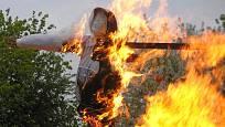 Podívejte se, jak si lidé užívali pálení čarodějnic na vyškovsku v minulých letech.