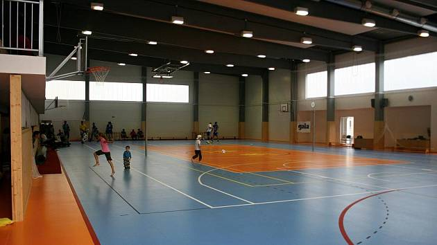 Sportovní hala v Rousínově.