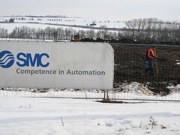 Výstavba továrny koncernu SMC ve Vyškově už začala.