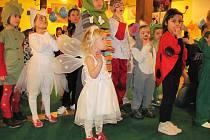Jeden karneval už mají děti letos za sebou. Konal se ve Vyškově v restauraci Selský dvůr.