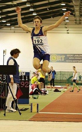 Eliáši Urbanovi učarovala atletika všesti letech. Za tu dobu má doma množství medailí. Sportu se chce věnovat iprofesionálně, ale nezanedbává ani studium.