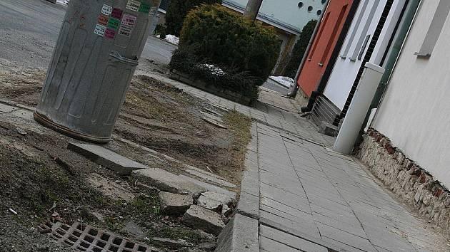 Družstevní ulice ve Vyškově se dočká rekonstrukce.