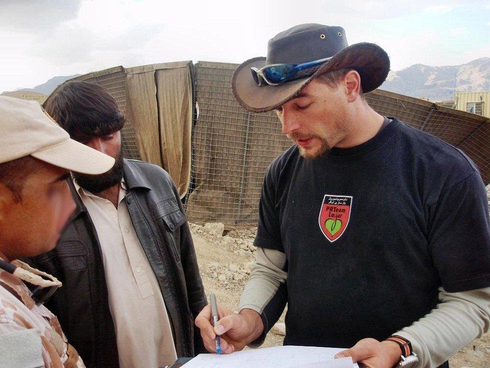 Rekonstrukce kuchyně v afhgánské provincii Wardak, kterou zajišťují také bučovičtí vojáci.