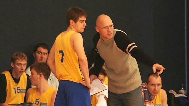 Trenér basketbalového týmu Vyškov A Richard Beránek.
