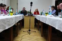 Drnovičtí zastupitelé ve středu odhlasovali účast obce v dražbě místního fotbalového stadionu.