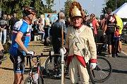 Hromadnou jízdou cyklisté otevřeli první cyklostezku ve Slavkově.