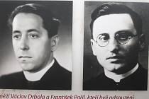 Václav Drbola (vlevo) s dalším odsouzeným knězem Františkem Pařilem (vpravo).