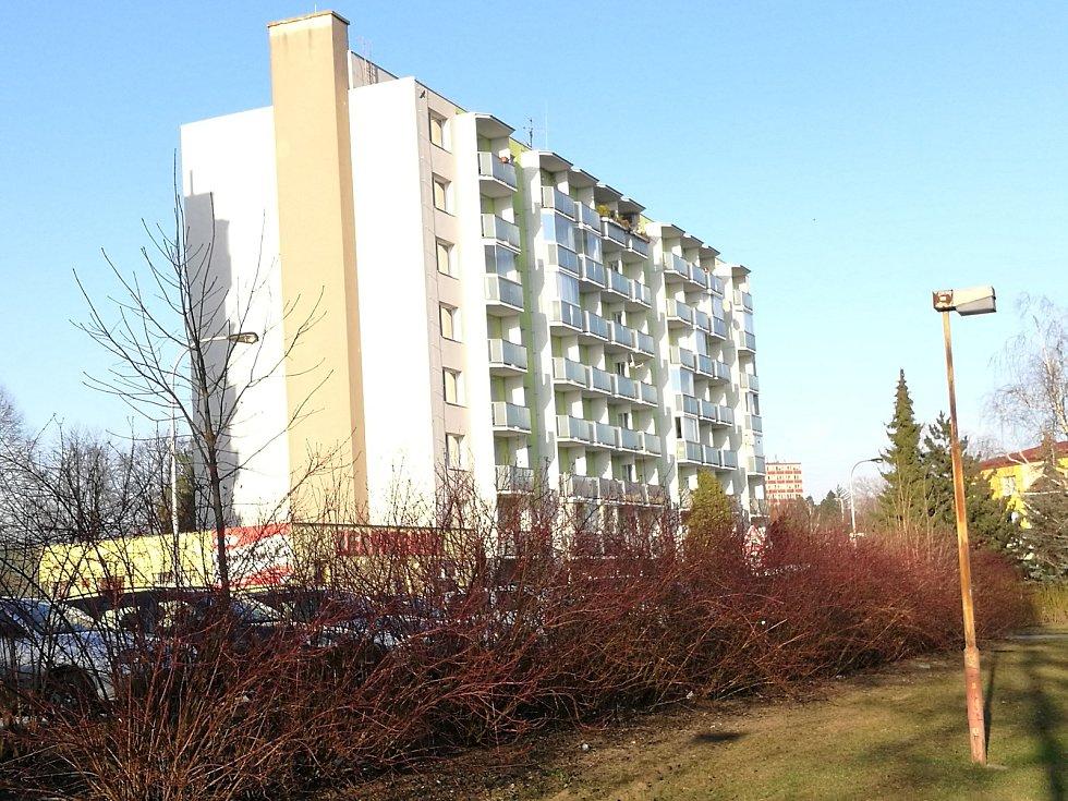 Sídliště a bytové domy.