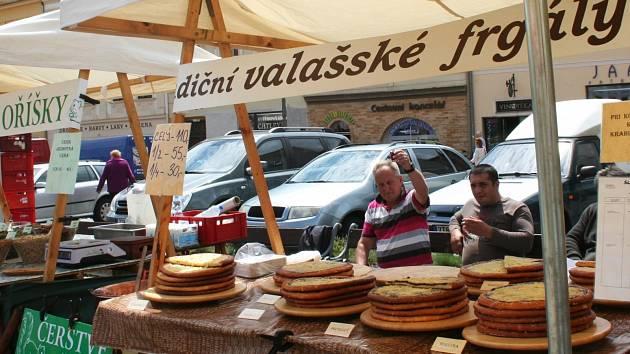 Středeční farmářské trhy na Masarykově náměstí ve Vyškově.
