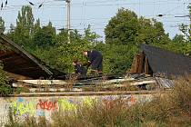 Ruina bývalého skladu K.R.A.B. padla k zemi