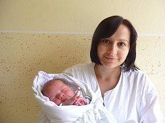 Šimon Kuběna s maminkou Evou, 51 cm, 4,150 kg, 20. června 2010, Vyškov.