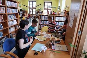 Ve vyškovské knihovně organizují pro děti každý rok besedy, hry a další akce. Kvůli omezením proti šíření koronaviru je však nyní knihovna pro všechny návštěvníky uzavřená.
