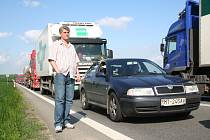 Kvůli smrtelné havárii u Hodějic se na mezinárodní silnici tvořila dlouhá kolona.