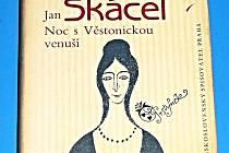 Skácelova sbírka ilustrovaná Odlřichem Tomanem.