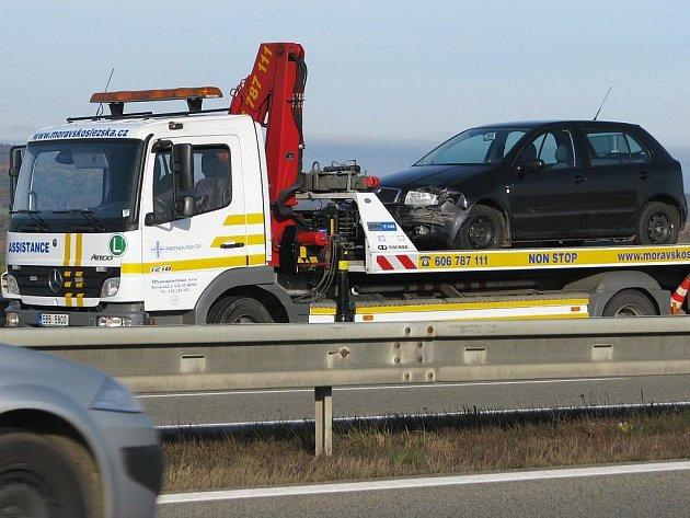 Dopravní nehoda dvou osbních aut na dálnici D1 ve směru na Brno