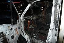 Noční přitápění zapálilo v úterý časně ráno kabinu slovenskému řidiči, který nocoval ve svém nákladním autě u benzínové stanice v Nesovicích.