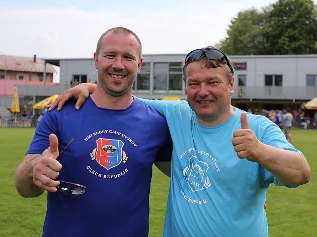 Dvojice trenérů vyškovských ragbistů. Vpravo Pavel Pala, vlevo Martin Hudák.