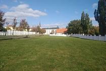 Změny jsou v plánu pro prostor mezi zámeckou zahradou a hřbitovem.