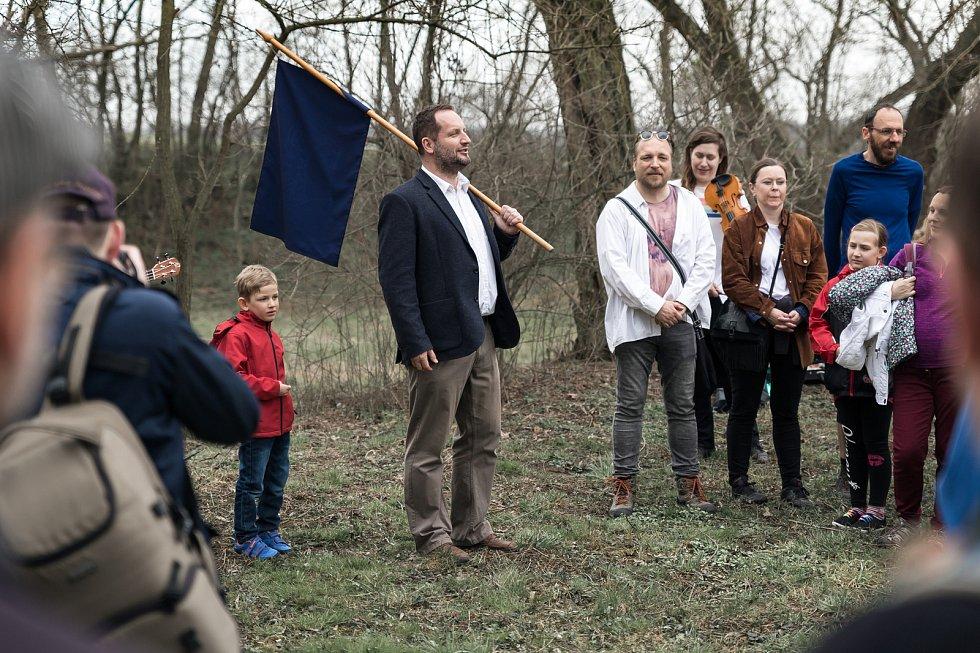 Zahájení Ekologické pouti k bažině u mokřadu Žumpy v dubnu 2018.