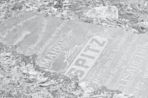 Převrácené náhrobky na hřbitově jsou jedním z mála hmotných pozůstatků ivanovické židovské obce.