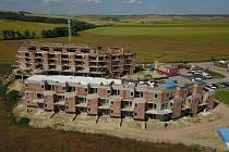 Projekt Bučovická terasa nabídne zájemcům devětapadesát nových bytů. V Bučovicích je však jedním z mnoha.