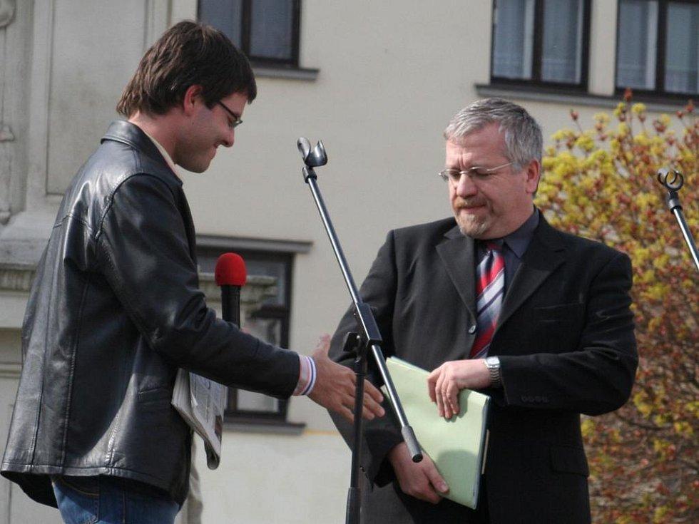 Starosta Vyškova Petr Hájek přistoupil i k nepříjemným dotazům zodpovědně.