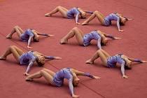 Vyškovské gymnastky vybojovaly v neděli v Brně druhé místo na Mistrovství České republiky v estetické skupinové gymnastice. Tato příčka jim zároveň zajistila postup na mezinárodní světovou soutěž.