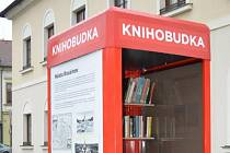 O naplnění nové knihobudky se postaraly místní knihovnice.