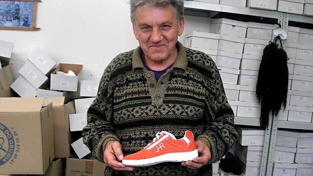 Snovídecký obuvník získal další patent na boty - Vyškovský deník d8ffa4010d