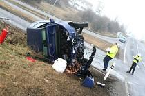 Nehoda u Holubic si vyžádala dvě zranění.