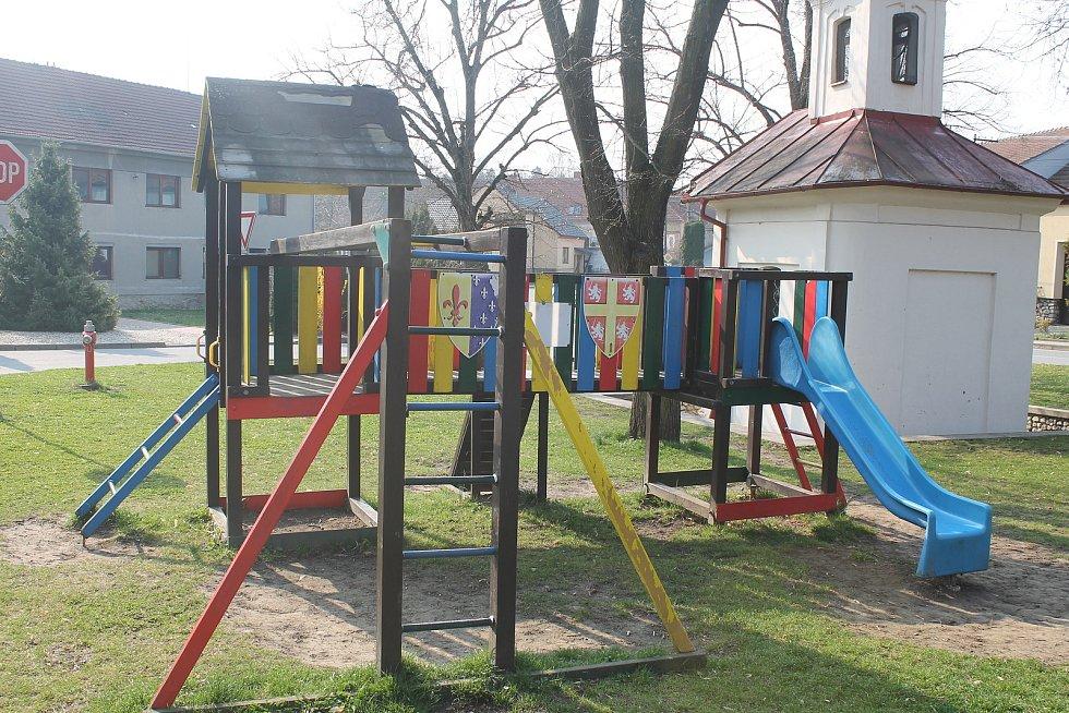 Dětské hřiště.