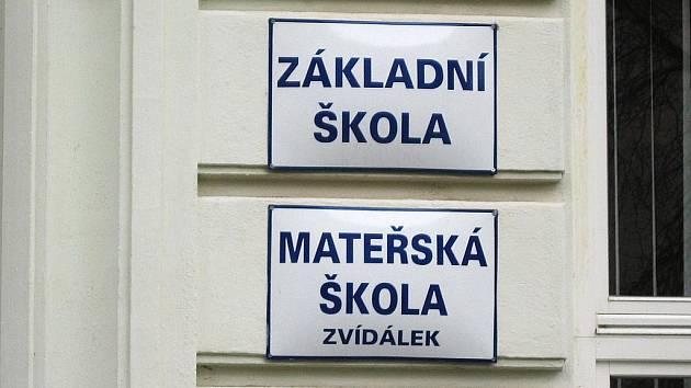 Základní škola a mateřská škola Zvídálek.