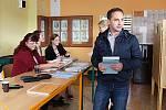 Jednička lidovecké kandidátky na jihu Moravy Roman Celý odvolil v pátek na Základní škole Purkyňova ve Vyškově.