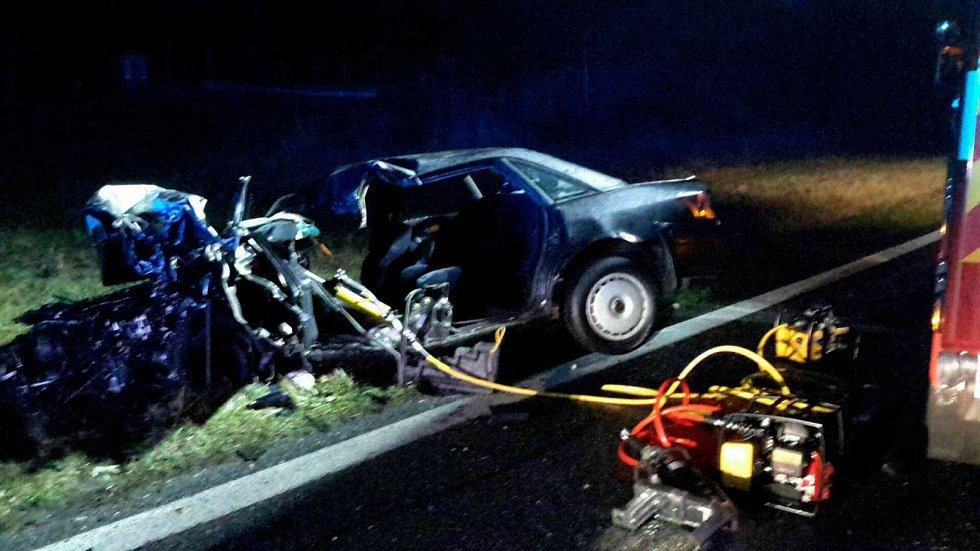 Předjížděla v zákazu, způsobila nehodu se dvěma zraněnými.