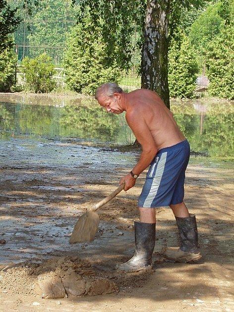 Koupaliště v Moravských Málkovicích se zvetilo po velké vodě rychle na rozdíl od Dělnického Domu.