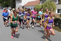 Přespolní běh na jednu míli Lulečský preclík vyhráli Anežka Langhammerová z Orla Židenice a Tomáš Steiner z AK Drnovice.