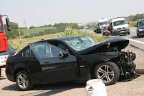 U Křižanovic se čelně srazila dvě auta. Nehoda způsobila kolony.