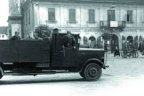 WEHRMACHT V BUČOVICÍCH. Neznámé jednotky nacistické armády na bučovickém náměstí na snímku z roku 1939.