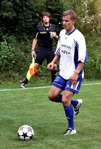 Vzákladní sestavě fotbalistů TJ Sokol Bohdalice vI. B třídě pravidelně nastupují otec Ivan (44) a syn Jakub (22) Drbalovi.