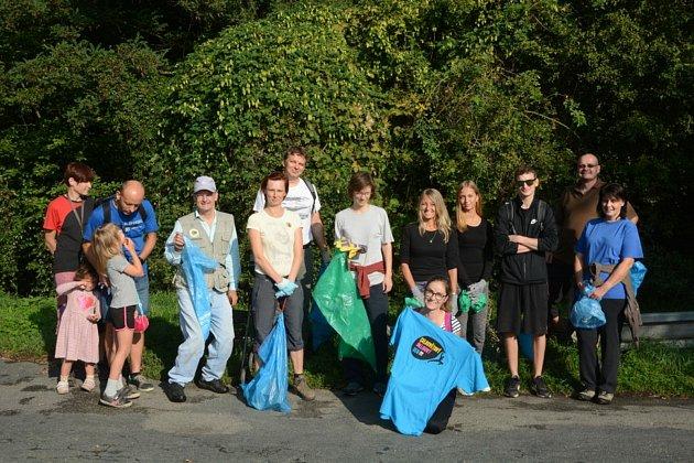 Členové spolku se každoročně podílejí na úklidu města. Foto: Zelený Vyškov