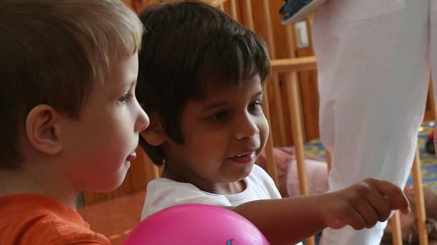 Návštěvníci včerejšího dne otevřených dveří v Otnicích mohli blíže nahlédnout pod pokličku  života postižených dětí.