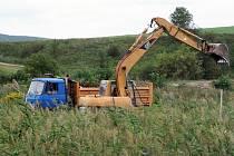 Tři hektary vodní plochy vyrostou u Kobeřic u Brna do konce letošního roku. Poslouží jako chovný rybník, menší část bude i ke koupání.